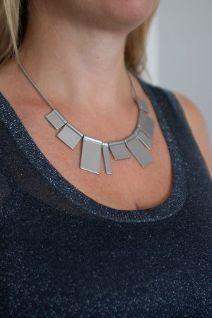 dansk-smykkekunst-theia-in-the-city-necklace-rhodium-plating-2